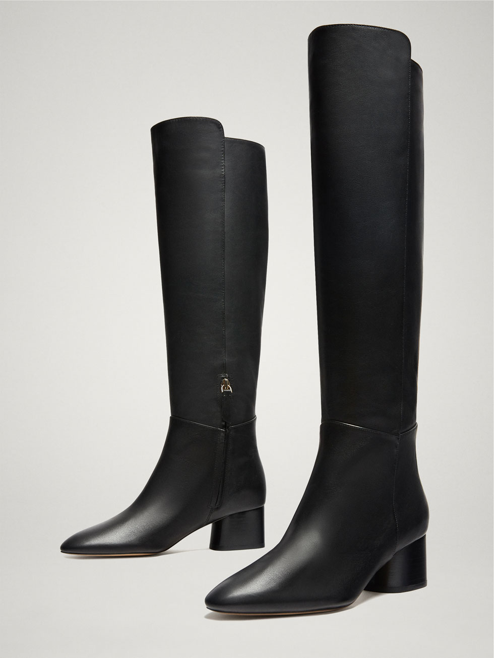 bota negra Massimo Dutti