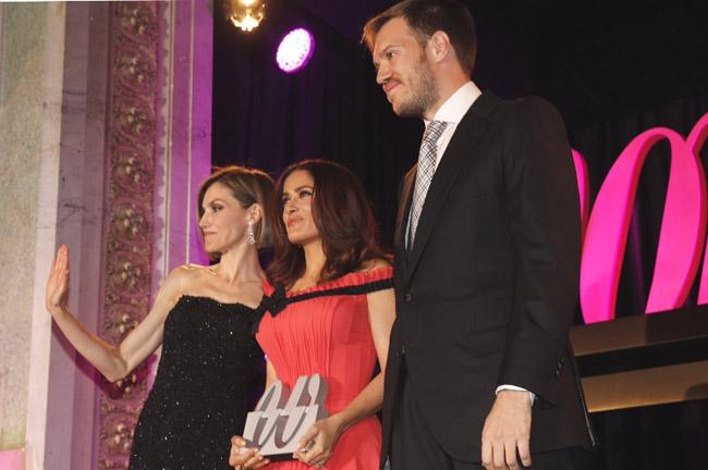 reina premios woman 3
