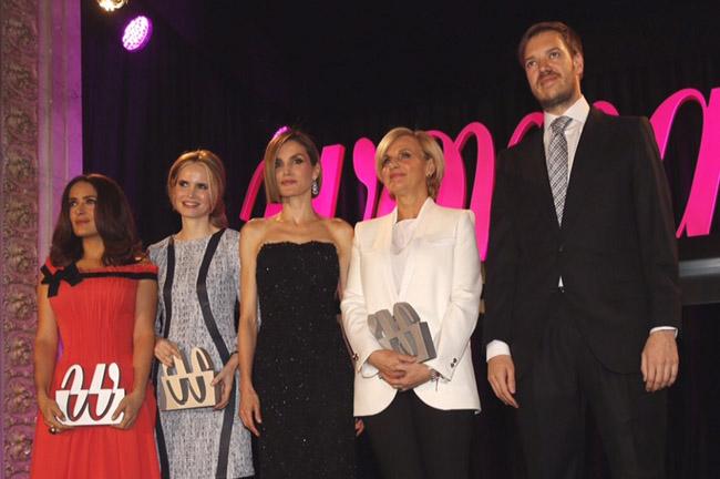 reina premios woman 5