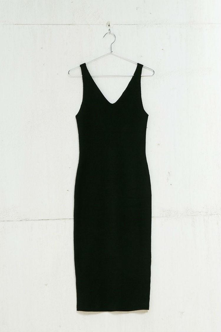 vestido negro canalé bershka