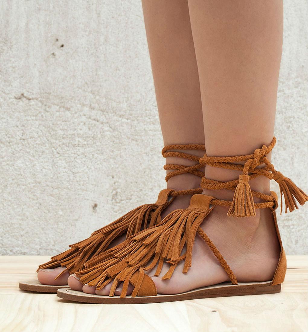 sandalias de flecos bershka