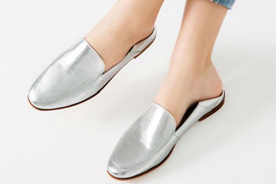 zapato plano metalizado zara