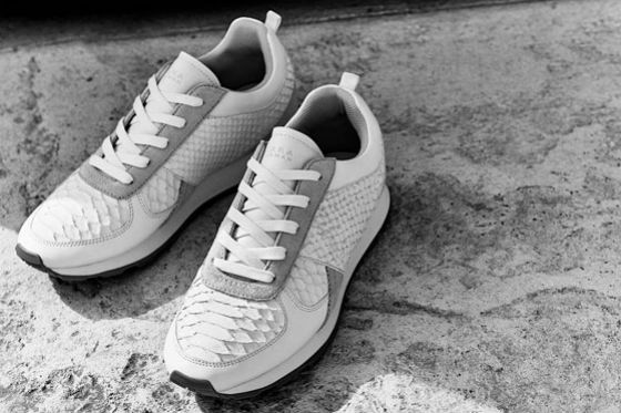 sneakers blancas zara
