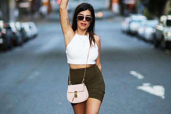 como llevar bolso bloggers moda