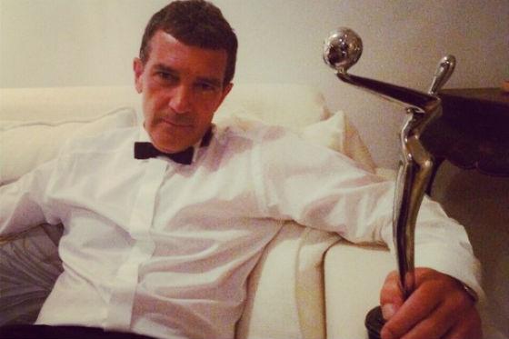 Antonio Banderas como Versace