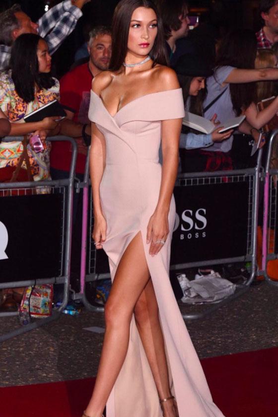 Bella Hadid Vestido Nude