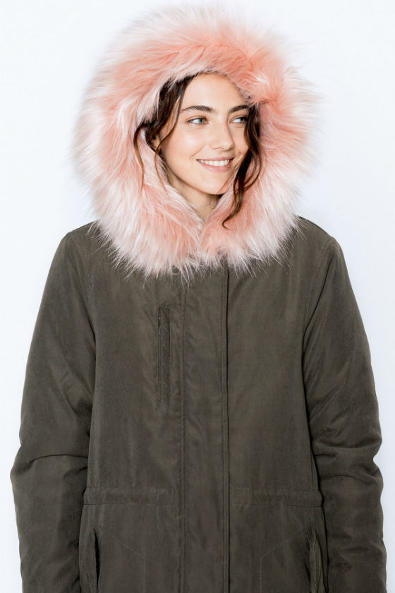 parka verde pelo rosa pull and bear invierno 2016