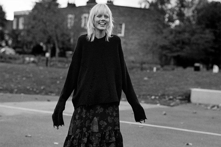 Jersey Oversize Pretty in Punk Zara TRF