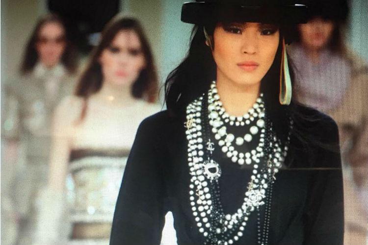 Chanel pasarela de perlas