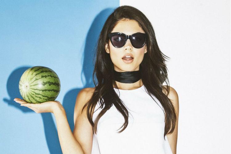 Kendall y Kylie Jenner lanza línea de gafas de sol