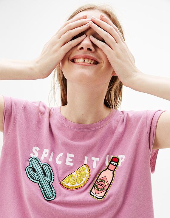 camiseta rosa de bershka en rebajas