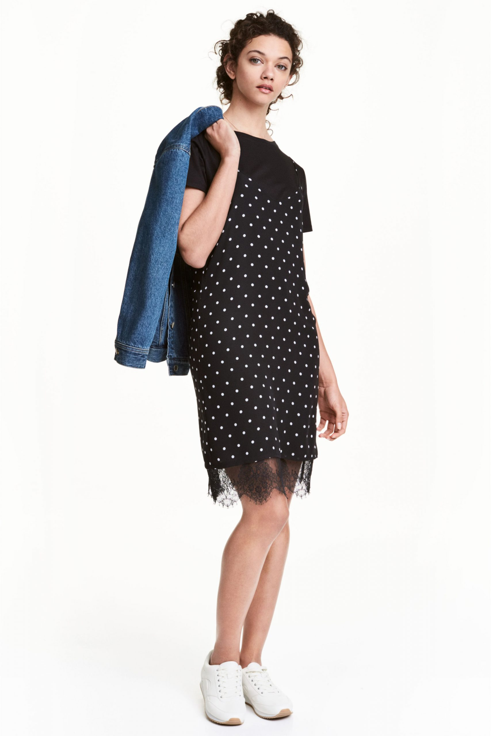 Vestido negro con lunares de H&M Rebajas Verano