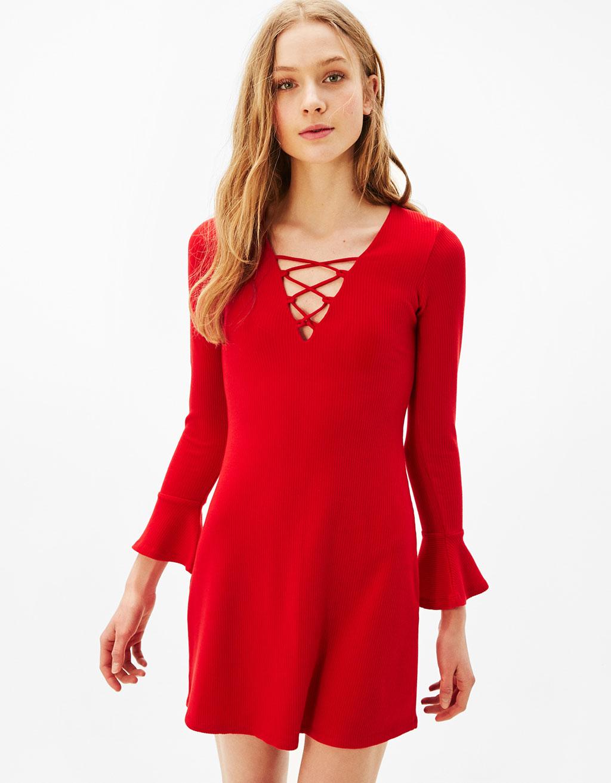 vestido lace up rojo bershka