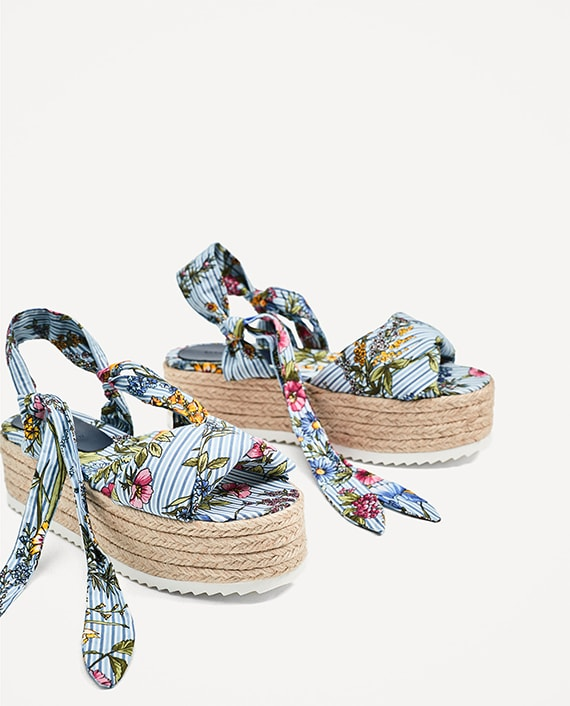 sandalias Zara cuña rafia flores