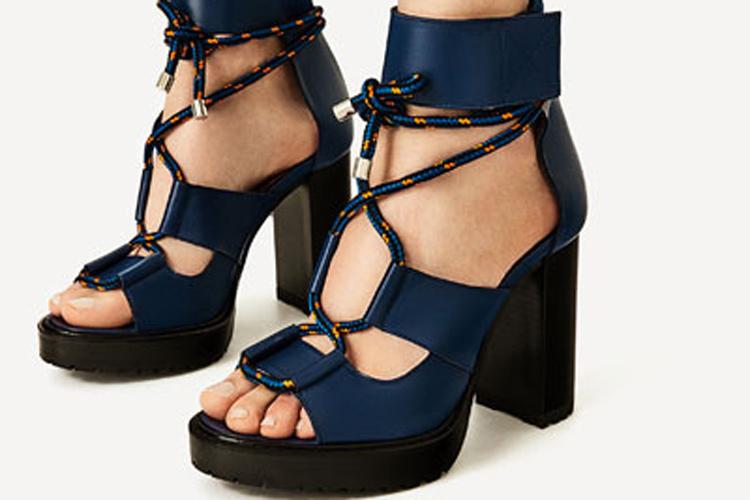 Sandalias de tacón marino de Zara