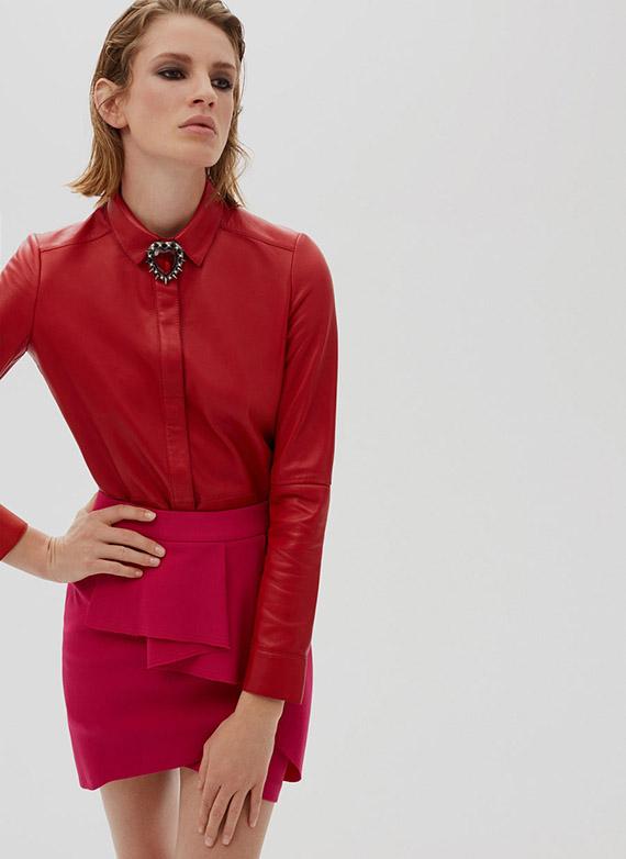 Uterqüe última colección piel camisa roja