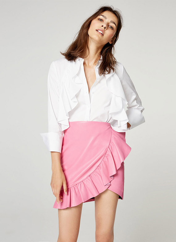 Uterqüe última colección piel falda rosa
