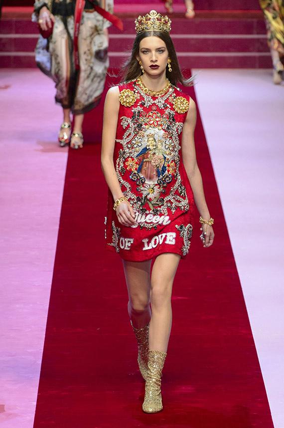 vestido motivos religiosos Dolce & Gabbana
