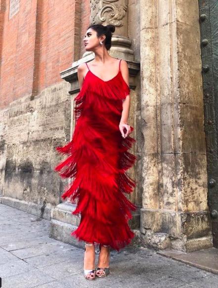 mery turiel vestido rojo