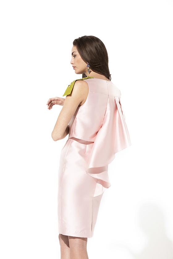 Teria Yabar vestido rosa