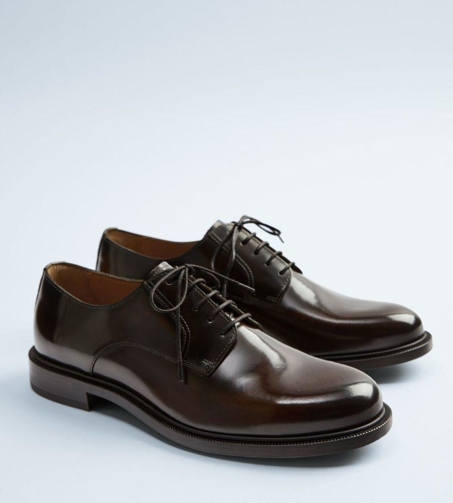 Zapato de piel marrón 49,99€ Zara