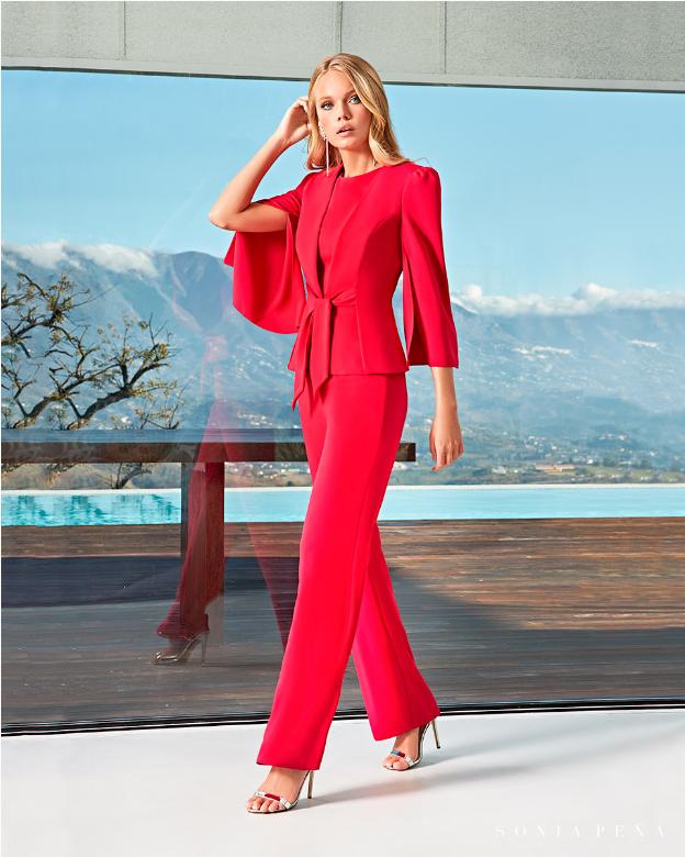 Traje de chaqueta largo en rojo
