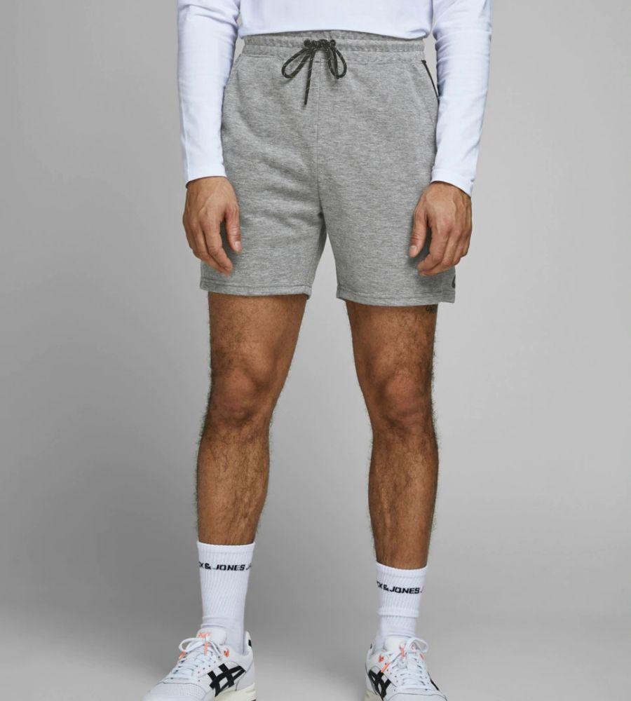 Pantalón de deporte corto de hombre gris Jack and Jones 24.99€