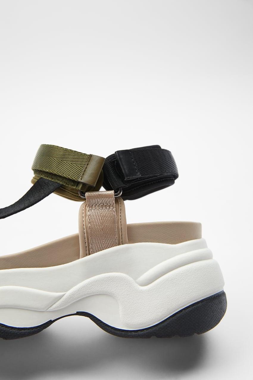 Sandalia Zara tipo deportiva con suela plataforma