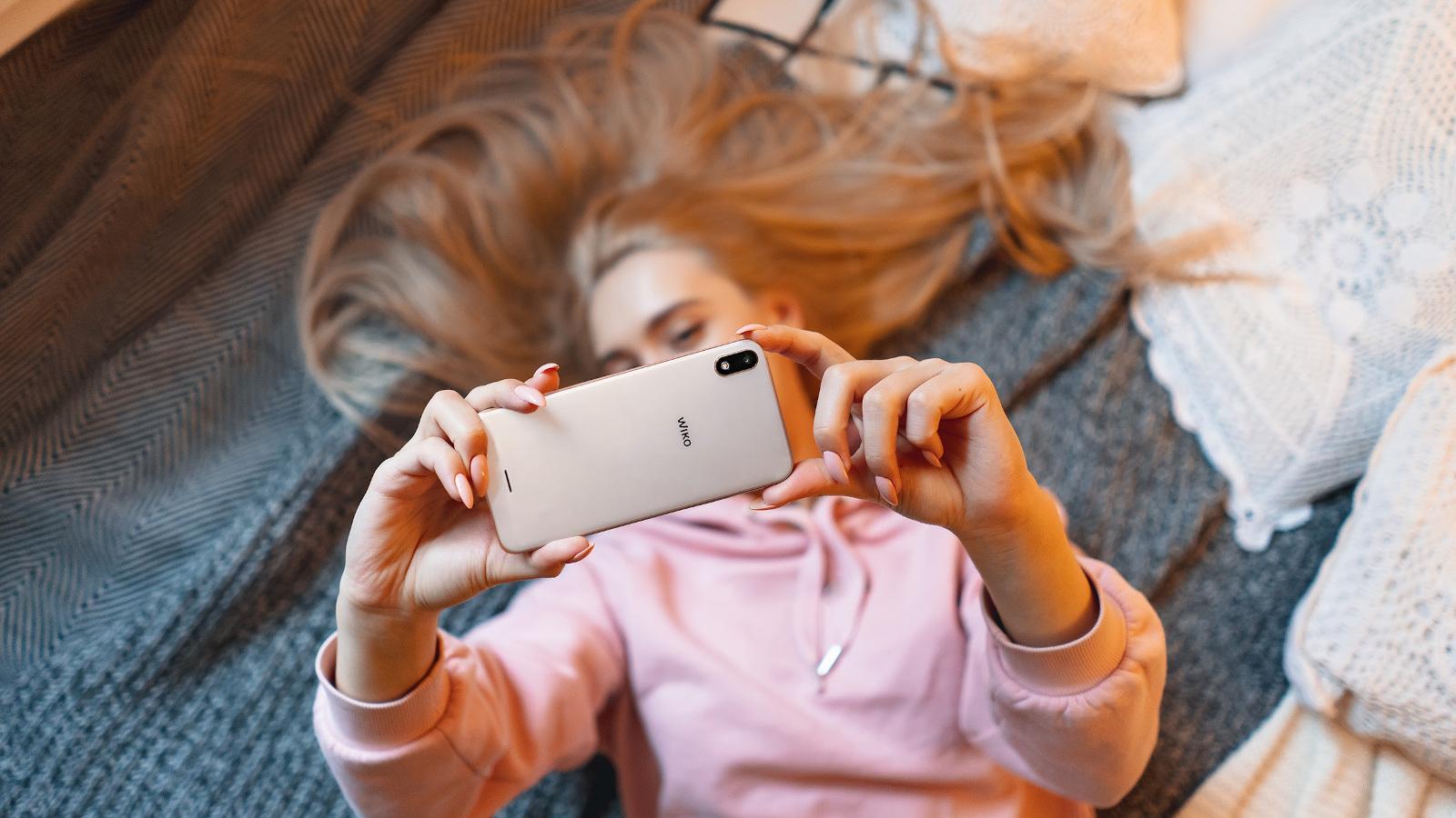 El uso del móvil se dispara por el Covid 19