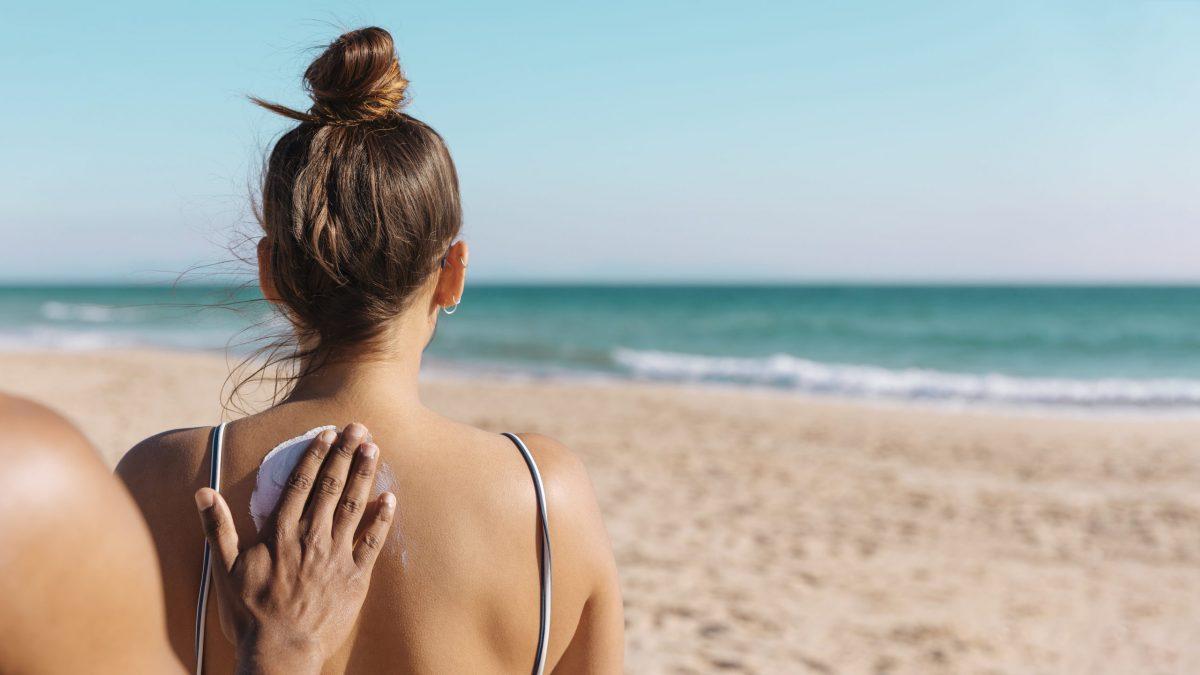 No te la juegues con el sol este verano, 4 cremas solares para mimar tu piel y prevenir el cáncer.