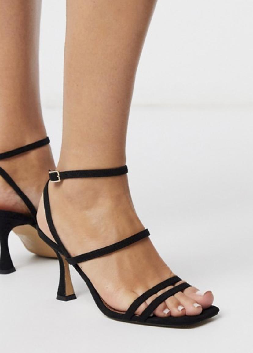 Sandalias con tacón medio en negro Hailee de ASOS DESIGN