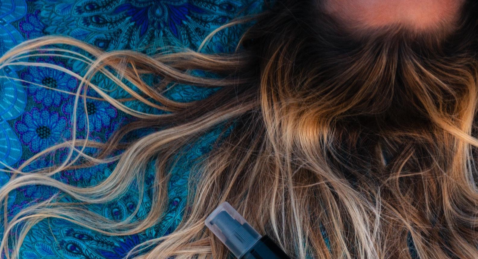 Como proteger, lavar y secar el pelo para sobrevivir el verano