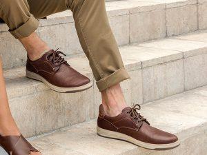 Zapatos sin calcetines visibles