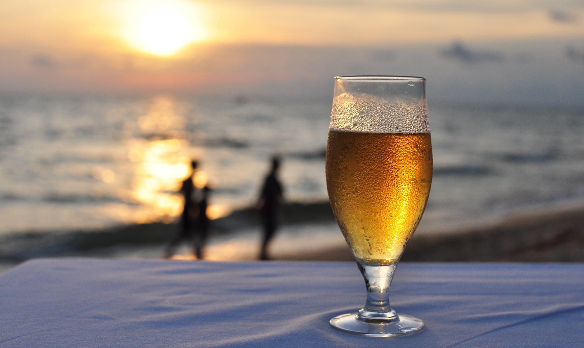Cerveza en la playa.