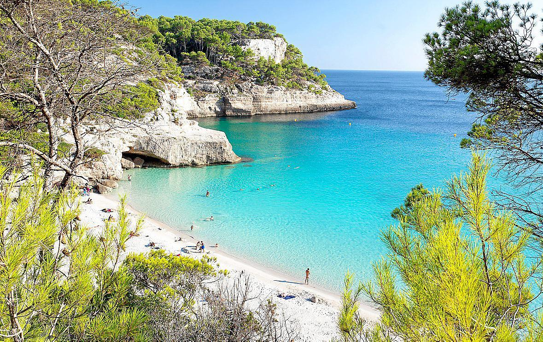 Cala Mitjaneta, la playa virgen