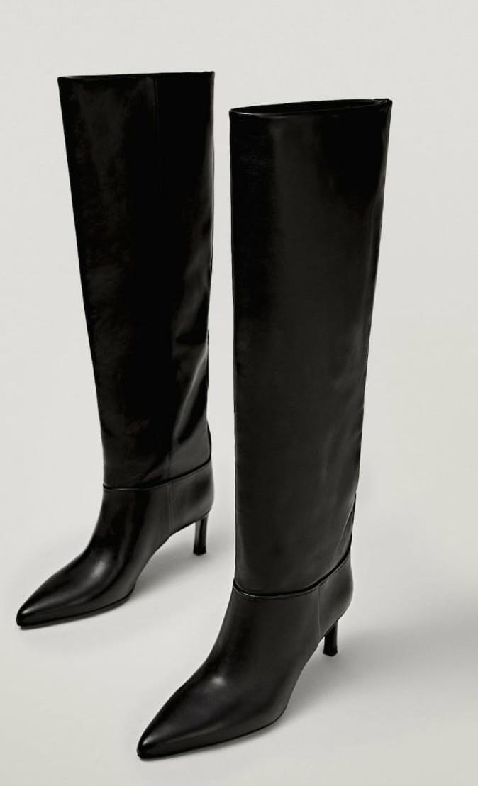 Bota de piel cowboy con tacón fino negra
