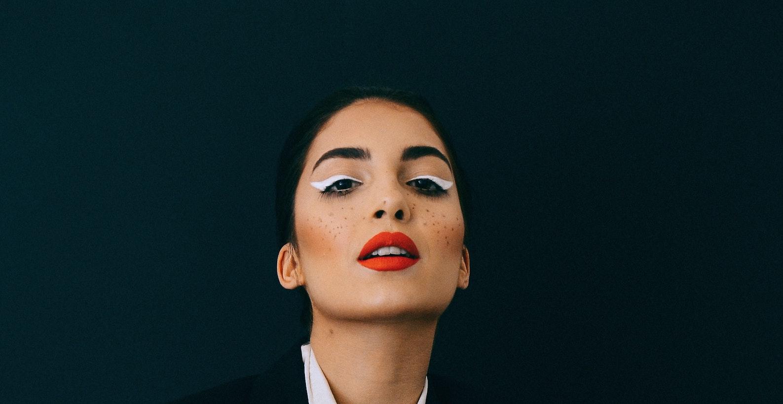 Maquillaje geométrico y ciber seguridad