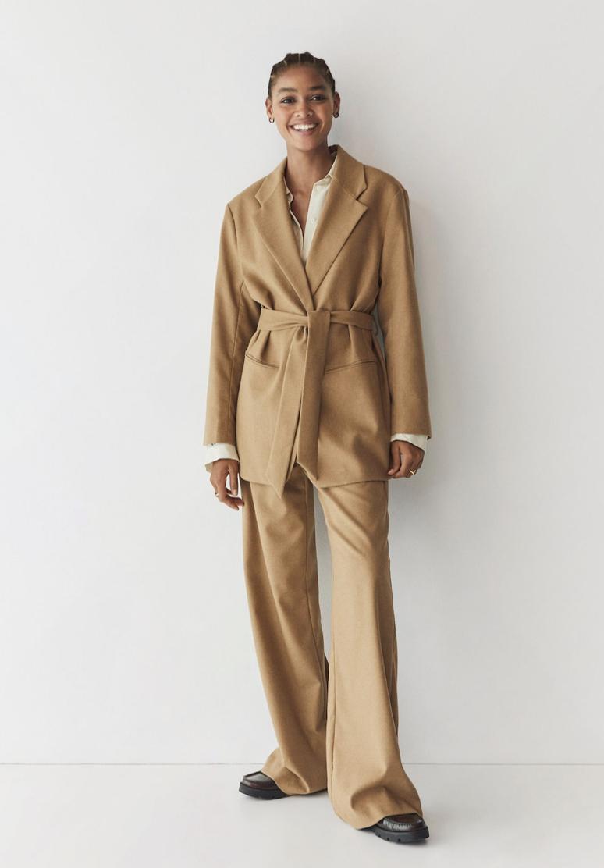 Pantalón recto traje de Mango 39,99 €