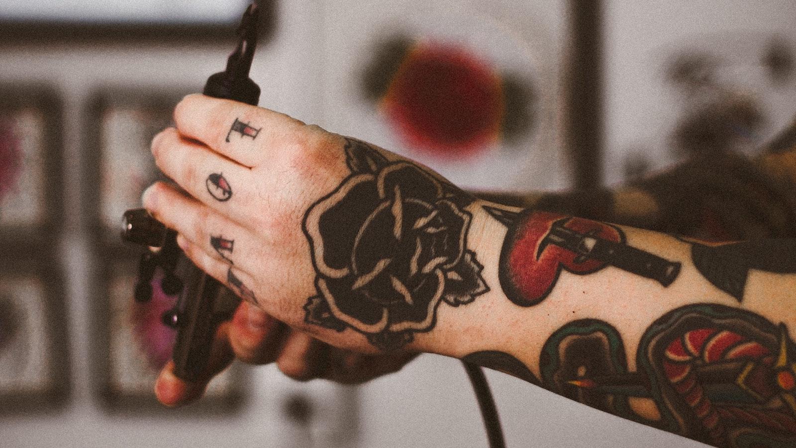 Tatuajes icónicos que no sabías que tenían un significado