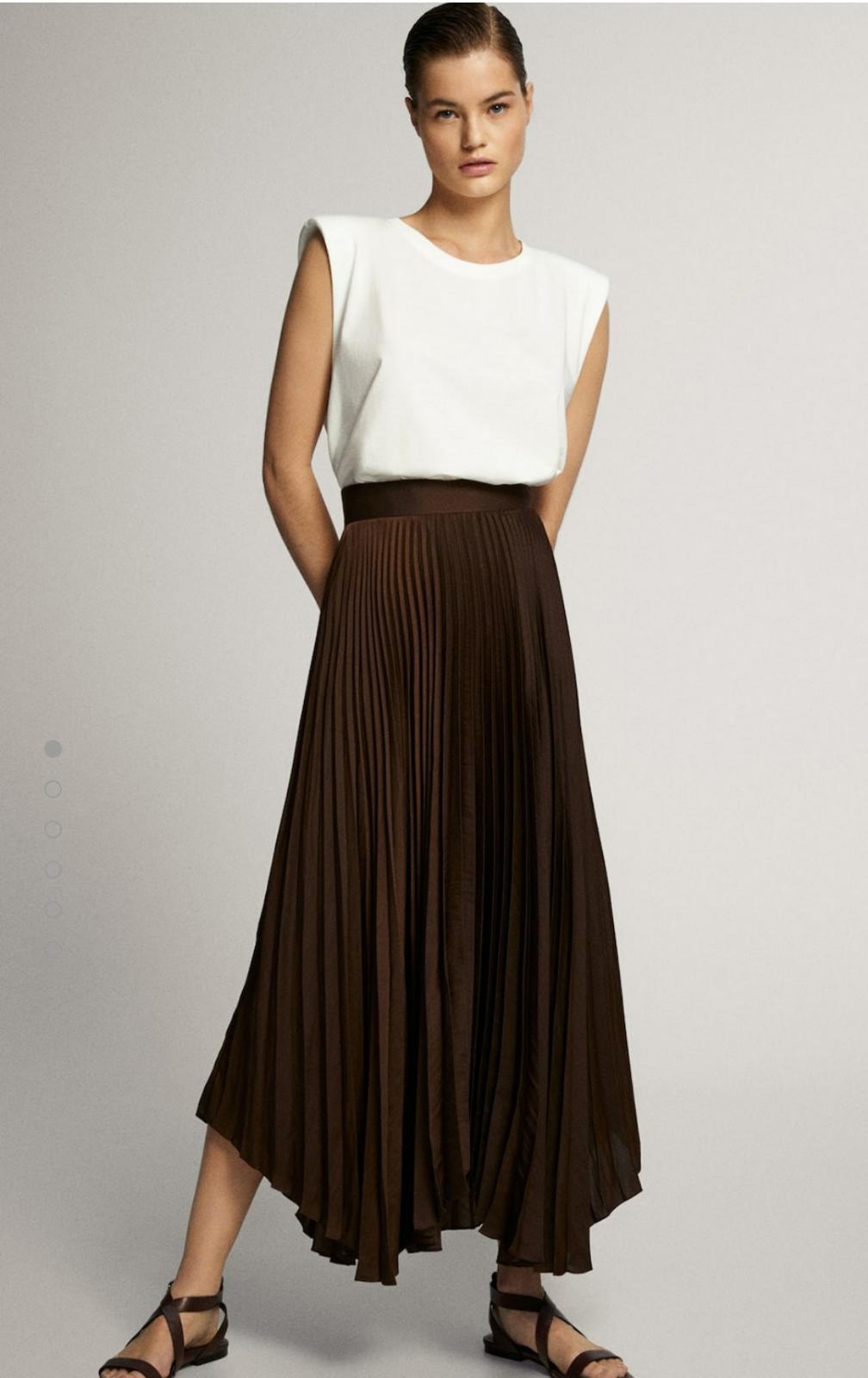 Falda plisada color marrón de Massimo Dutti 39'95€