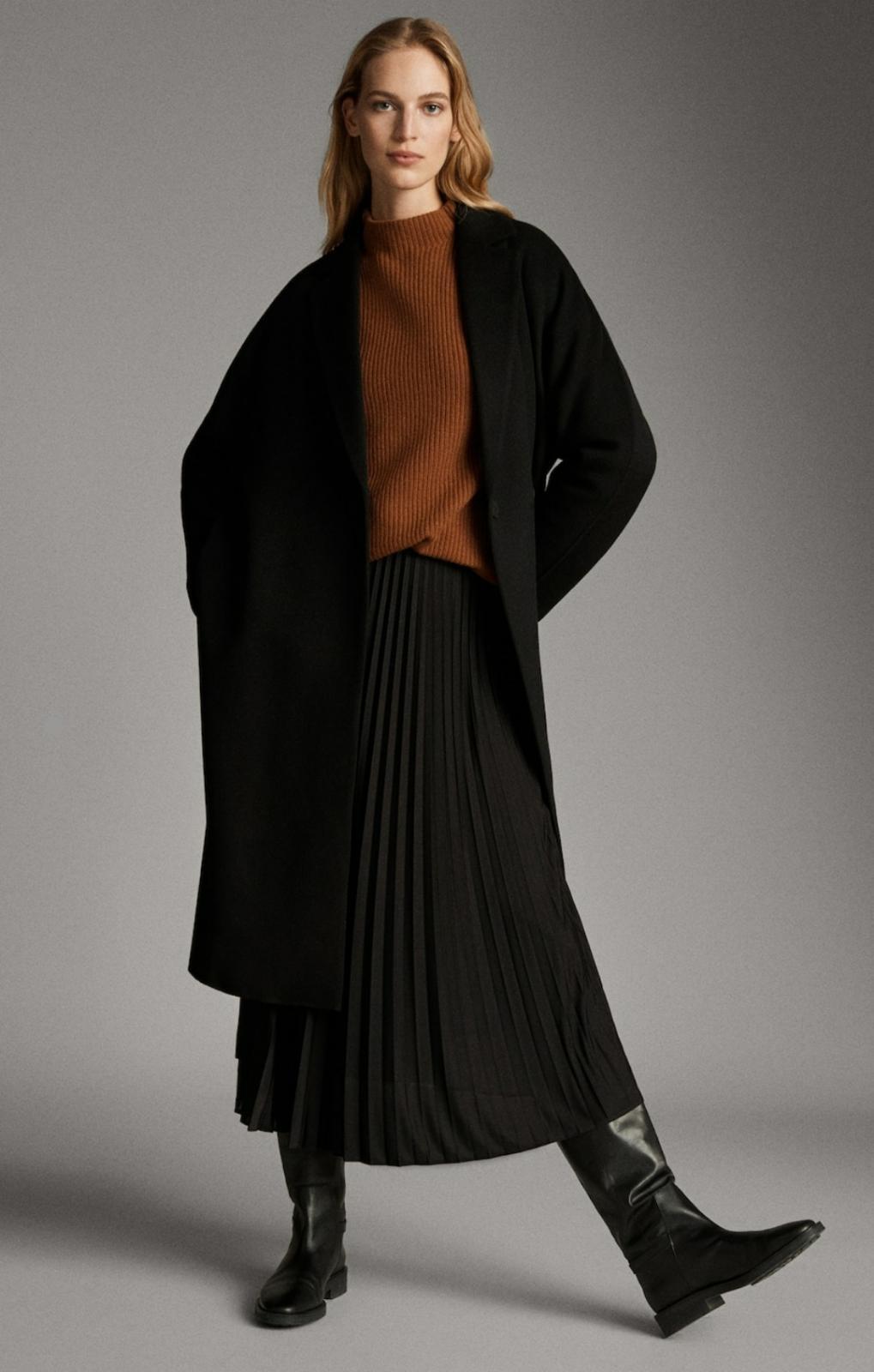 Falda plisada color negro de Massimo Dutti 19'95€