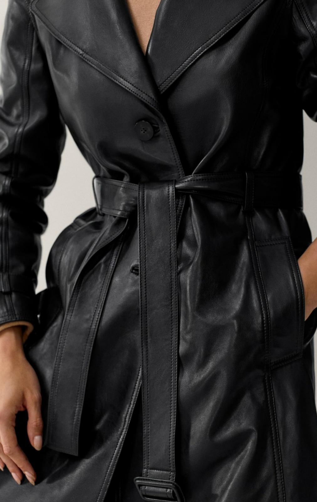 Chaqueta trench negra de piel de Massimo Dutti