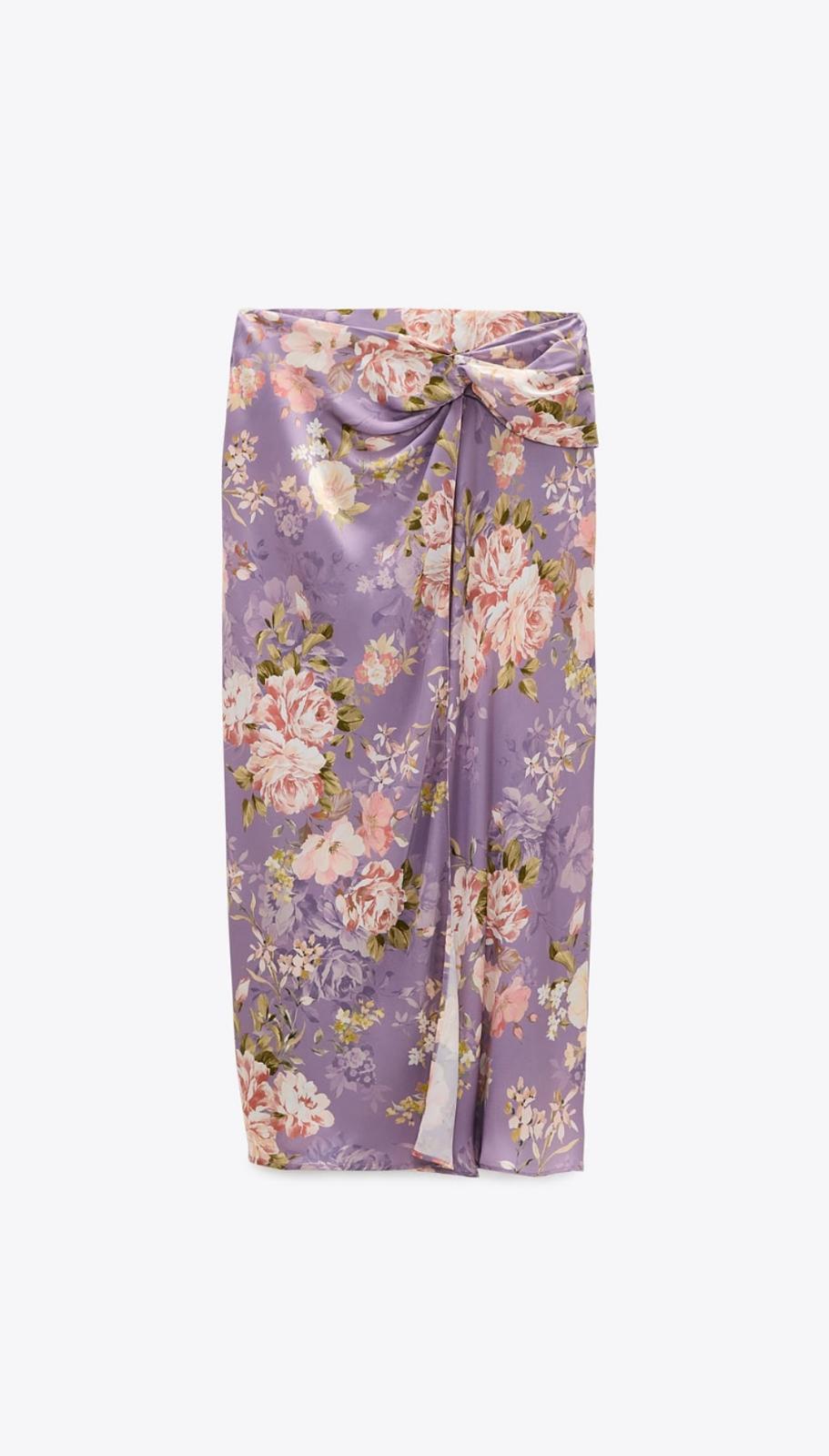 Falda estampada satinada con detalle de nudo delantero de Zara
