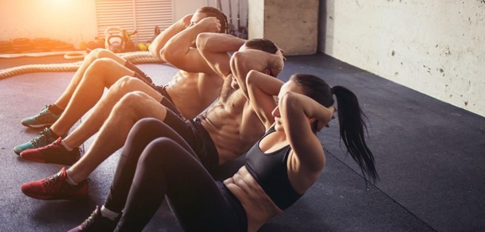 Los ejercicios que verdaderamente funcionan para tener un abdomen marcado