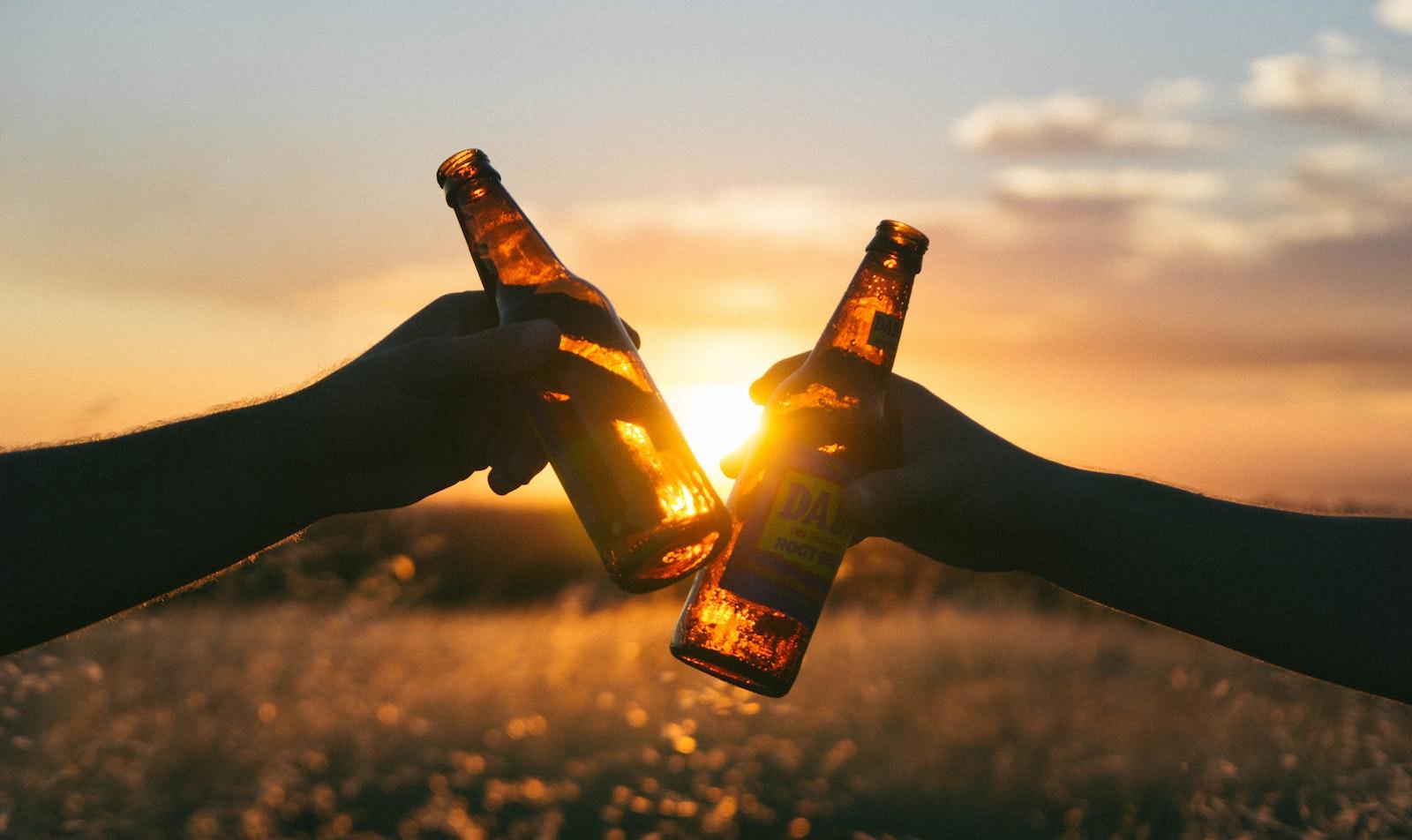 Beber cerveza es bueno para tu salud y te contamos por qué