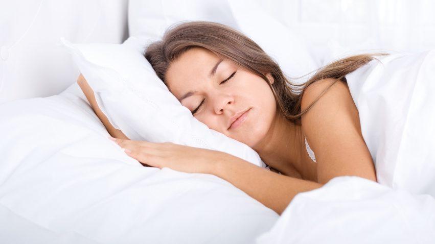 El método 4-7-8 y otros 5 trucos para descansar lo máximo posible.