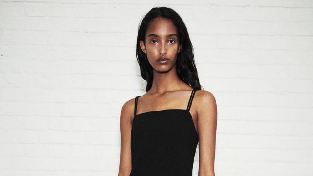 8 vestidos que demuestran que el negro también es para el verano.