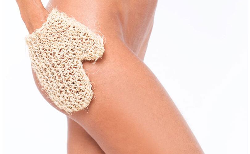 El guante crin, el mejor truco para tu rutina de belleza y exfoliación de la piel.
