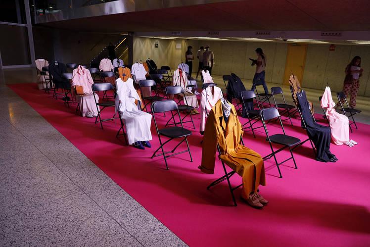Exposición de la nueva colección Summer 2021 del diseñador español Moisés Nieto.