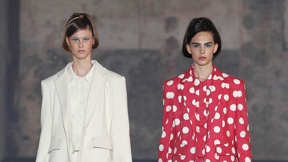 La 080 Barcelona Fashion cierra la edición con desfiles muy personales, optimistas y estilismos impactantes.